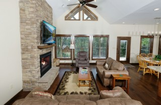 Gatlinburg - Bear Watch - Living Room