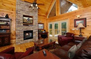 Gatlinburg - Moonshine Hollow - Living Room