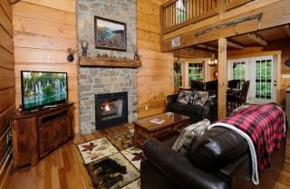 Gatlinburg Cabins - Oakmont Lodge - Living Room