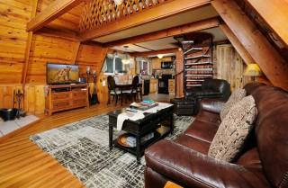 Gatlinburg - Shepherd's Crook - Living Room