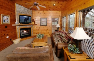 Gatlinburg - The Great Outdoors - Living Room