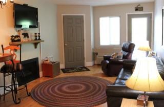 Gatlinburg - Chateau 210 - Living Room