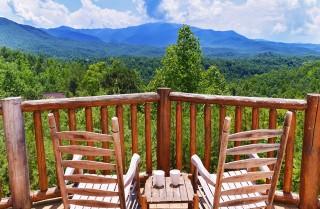 Gatlinburg Cabin - Pinnacle Vista Lodge - Mountain View