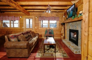 Pigeon Forge - Above it All - Living Room