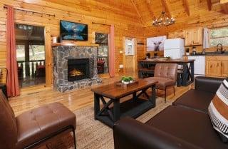 Pigeon Forge - Altitude Adjustment - Living Room