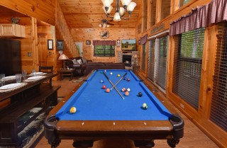 Pigeon Forge Cabin - Amazing Grace - Rec Room