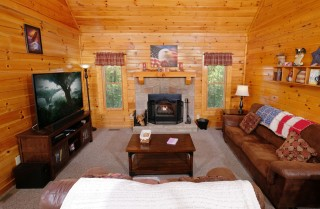 pigeon forge - american eagle - living room