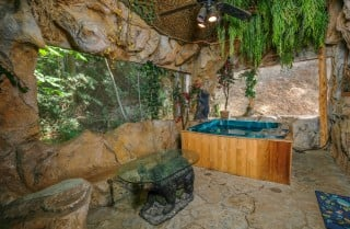 pigeon forge cabin – bear bottom grotto – hot tub