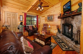 office cubicle gets trnsformed into cozy christms cbin.htm pigeon forge cabins bear end  pigeon forge cabins bear end