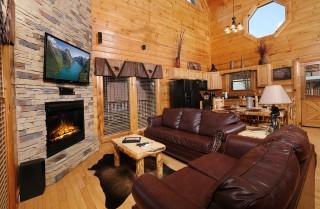 Pigeon Forge - Bear Hug at Bear Creek - Living Room