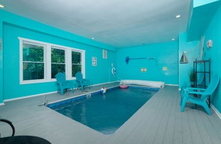 pigeon forge cabin – big bear plunge – pool room