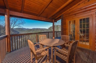 Pigeon Forge Cabins — Homestead Hideaway