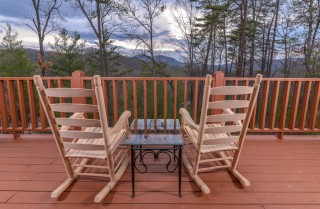 pigeon forge - knotty and nice - porch
