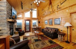 Pigeon Forge - Moonlit Hideaway - Living Room