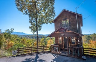 Pigeon Forge Cabin- Mountain Romance – Exterior