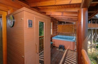 Pigeon Forge Cabin- Oh Yea – Sauna and Hot Tub