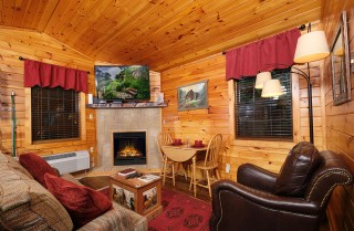 pigeon forge - restores my soul - living room