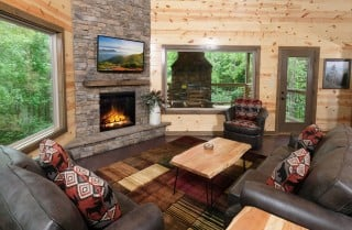Pigeon Forge - Rustic Timber - Living Room