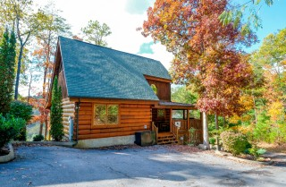 Pigeon Forge Cabins - Simply Amazing - Exterior Fall
