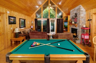 pigeon forge - simply country - living room