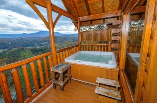pigeon forge cabin – the greenbrier – hot tub