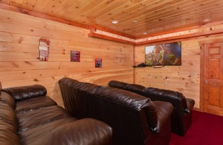 Pigeon Forge Cabin- Jennie's Cove - Theater Room