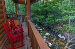 Pigeon Forge Cabin- My Cup Overflows – Creek View