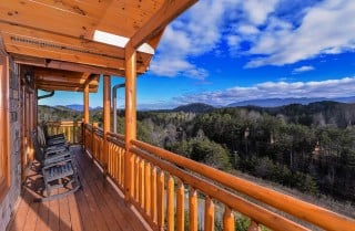 Pigeon Forge Splash Mansion Covered Deck