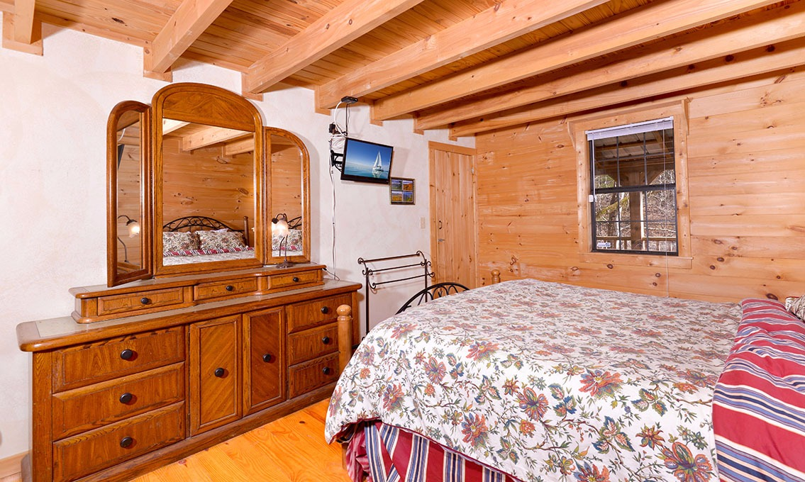 wildrose chat rooms Spacious, cozy, and inviting all ten guest rooms, stylish and elegant, are exceptionally comfortable enjoy four rooms nestled in our main house and two each in the carriage, cottage and mountain houses.